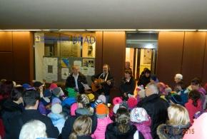 Zpívání pod vánočním stromem - 17.12.2015