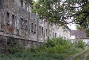 Petrovický zámek