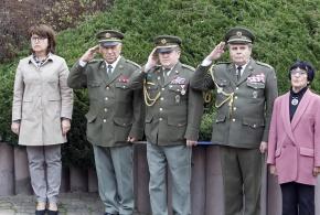 Starostka MČ Praha - Petrovice, plk. Pešta, poplk. Tamicha, plk. Kulfánek a paní Štěrbáčková.
