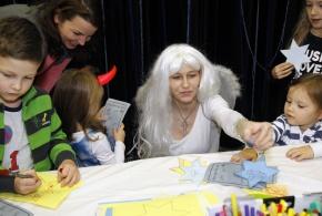 Anděl s dětmi.